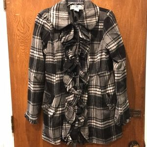Black and white plaid coat with a bow! ❤️